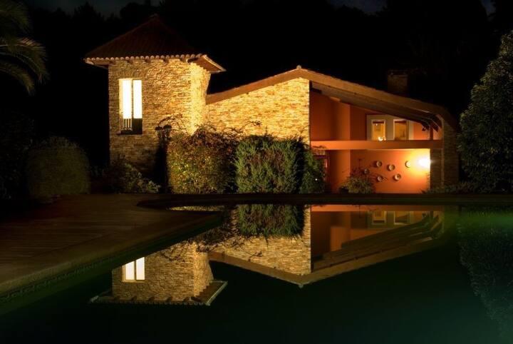 Chalet con piscina y rio La coruña