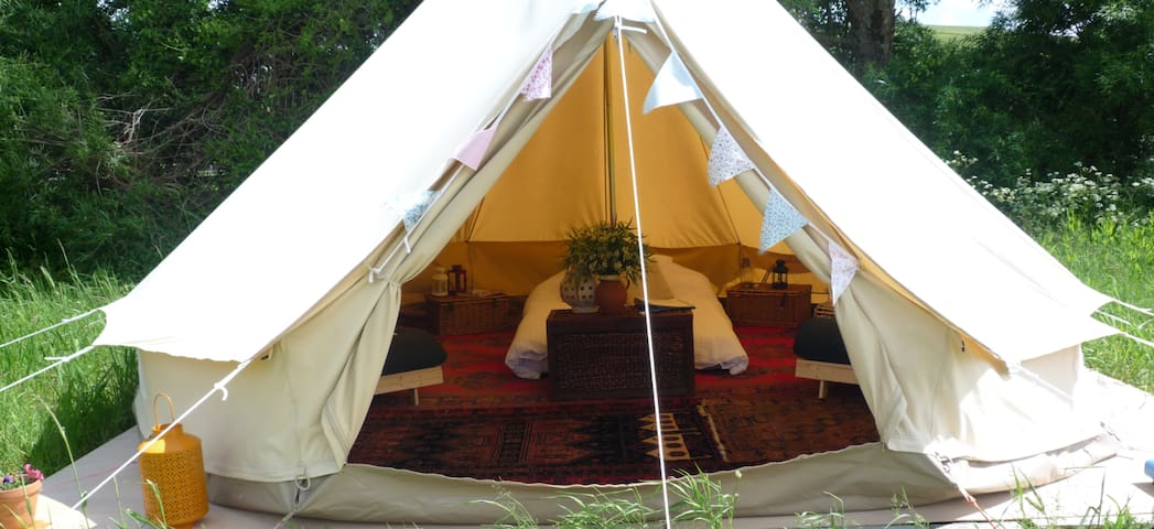 Furnished Bell Tent (Skylark) on Idyllic Farm - Bowerchalke - Tenda