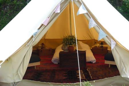 Furnished Bell Tent (Skylark) on Idyllic Farm - Bowerchalke
