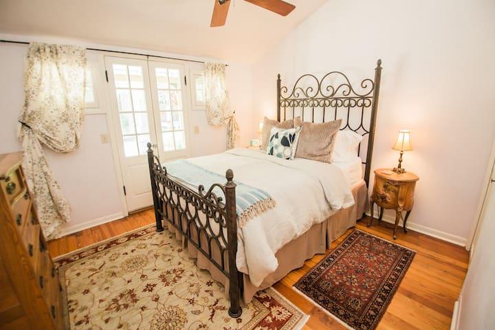 Organic Queen bed in the Garden Cottage