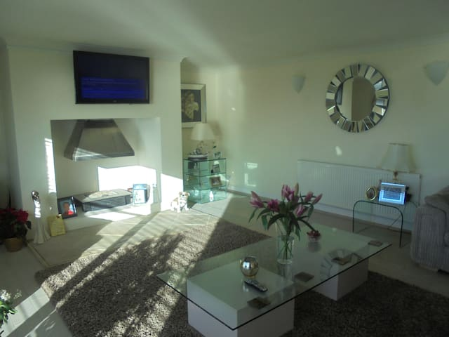 BEAUTIFUL DETACHED CLIFF TOP HOUSE - Peacehaven - Casa