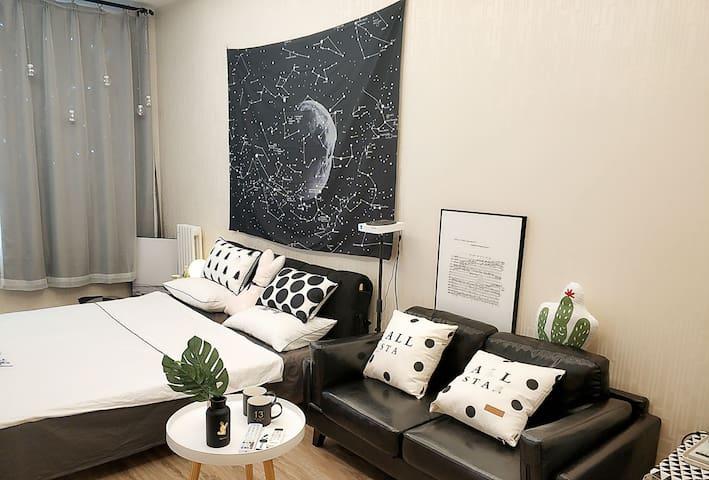 沙发及床全景