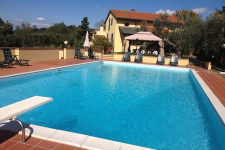 Villa Doveri Ceppeto - Tuscany, with large pool - Palaia