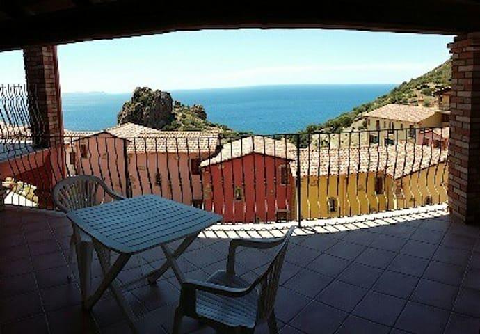 Nice studio flat in stunning location Sardinia B - Nebida - Leilighet