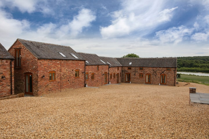 4 Beautiful Barn Conversions for up to 30 people