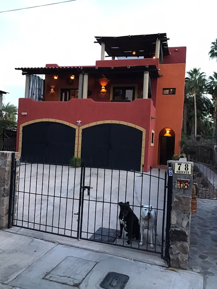Private Loreto Home with Pool