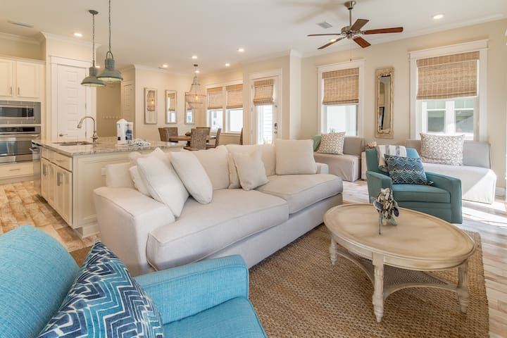 3 BIKES! Close to Large Resort Pool! ~Sea You Soon at Prominence North 30A