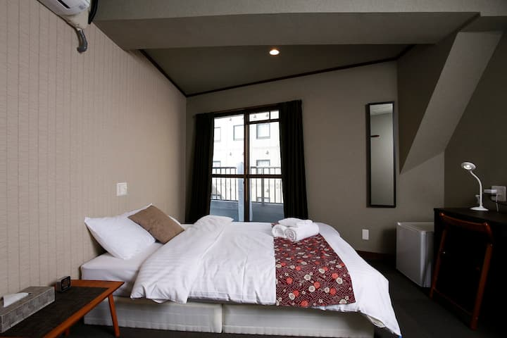 16☆Superior Double Room with Shared Bathroom