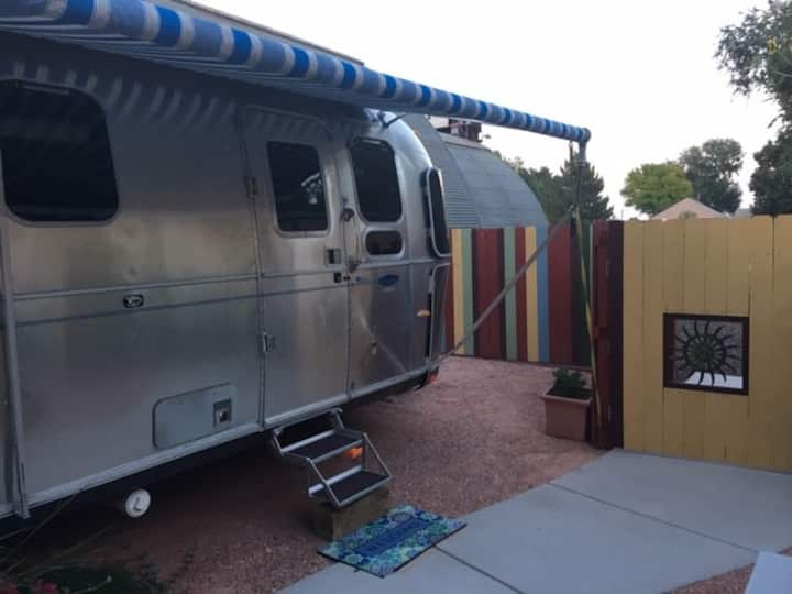 Airy & bright Classic Airstream w/ Hot Tub