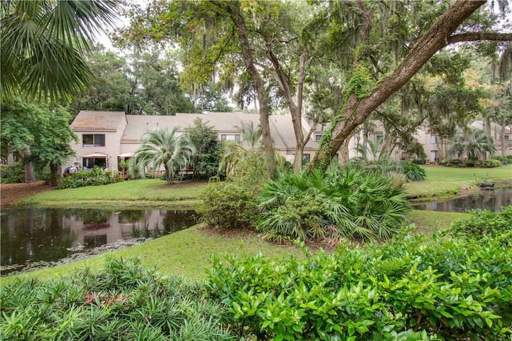 2256 Heritage Villa | Lagoon View | Complex Pool | Walk to Harbour Town | Sea Pines