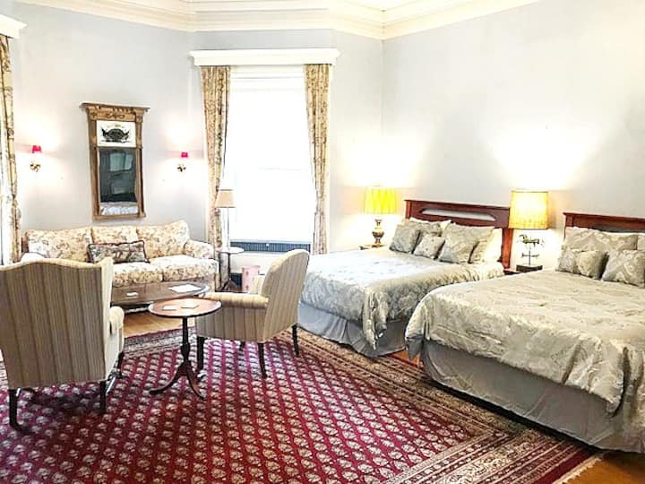 The General Wadsworth Suite at the Hartford House
