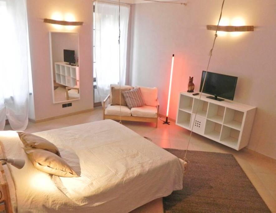 Casa di milly bilocale con balcone apartments in for Bilocale arredato alba