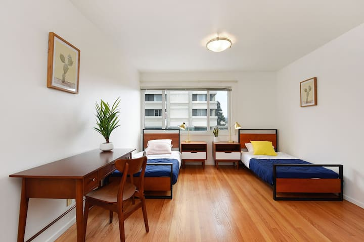Female room for 3 ppl at Japantown House