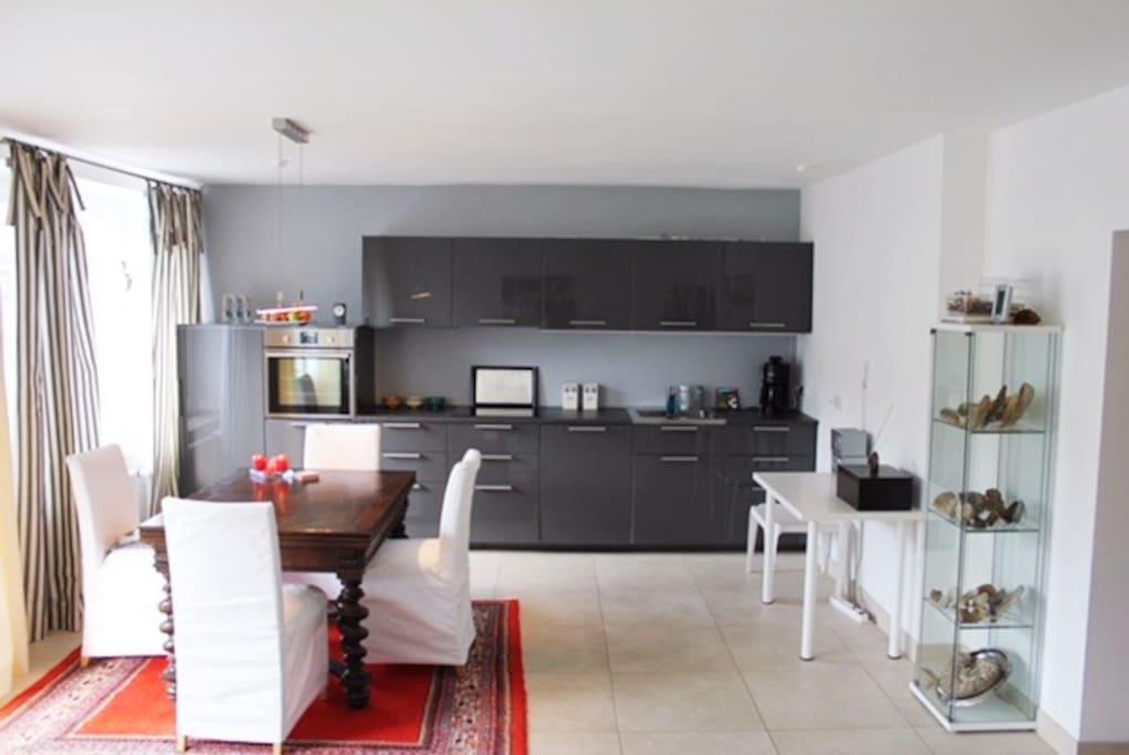 Eßzimmer mit Küche
