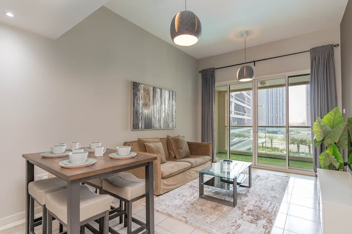 Chic One Bed Suite in the heart of Dubai Marina