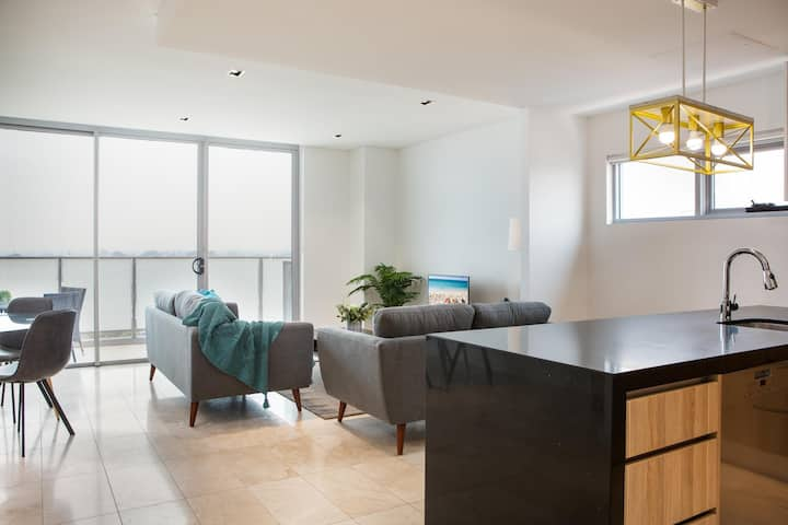 Modern 2 bedroom Apartment in the Heart of Burwood