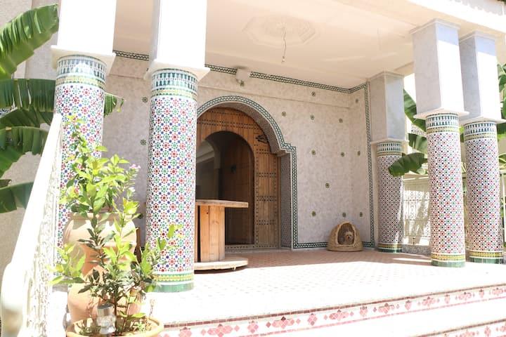 Riad Menzeh: Chambre privée 80€. Suite privée 120€