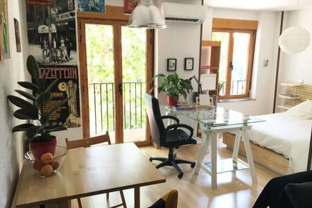 Cálido apartamento tipo loft - Salamanca - Lägenhet