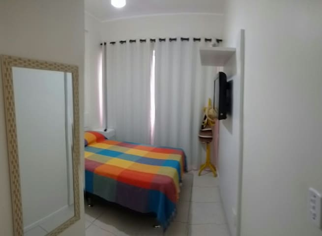 Suite com TV e ar condicionado