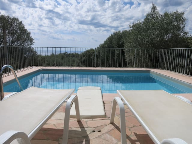Villa avec piscine vue mer - Olmeto