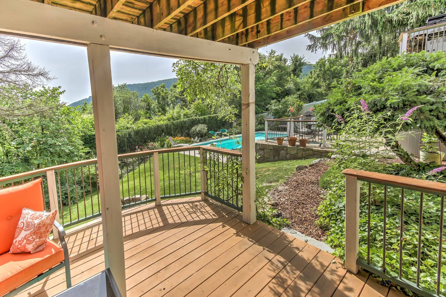 Escape to Harpers Ferry at this 2-bedroom, 1-bathroom vacation rental apartment.