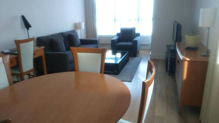 Large 2-Bedroom Apt - Kensington - MH