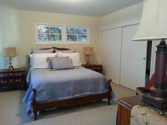 Pasadena Ranch - Bedroom 1