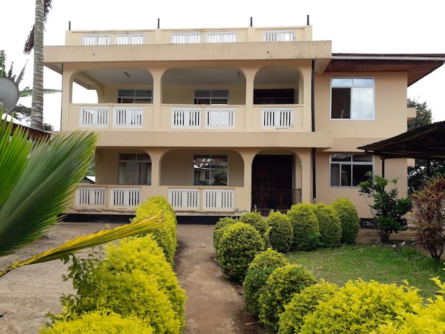 Shimbwe meadows guest house