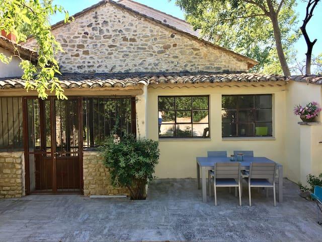 Maison entre Avignon et Ventoux, 85m2, parc arboré