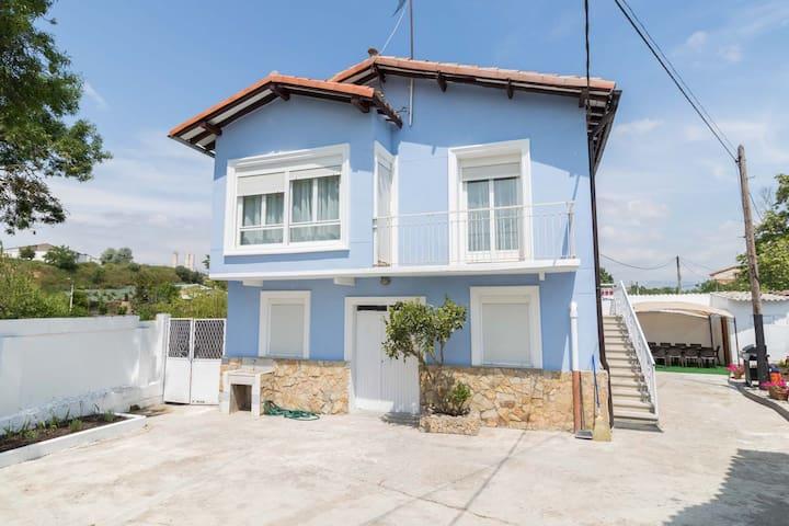 La casa azul,una casa en la ciudad ,12´al centro