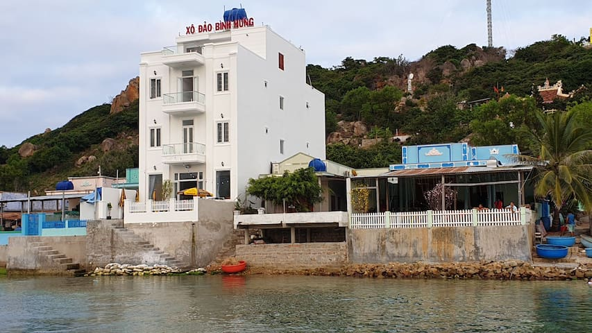 Annie House by the coral on Binh Hung island