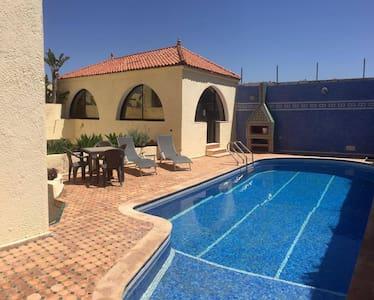 Superbe villa piscine face à la mer Dar Bouazza - Dar Bouazza