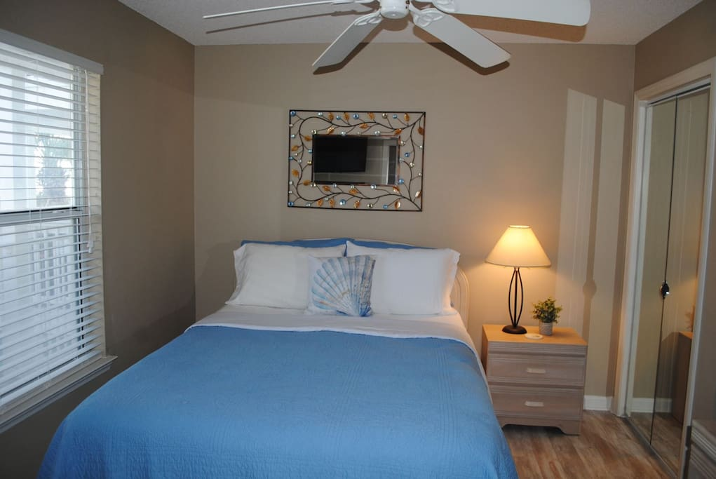 Sleep Late in the Comfy Queen Bed in the Master Bedroom