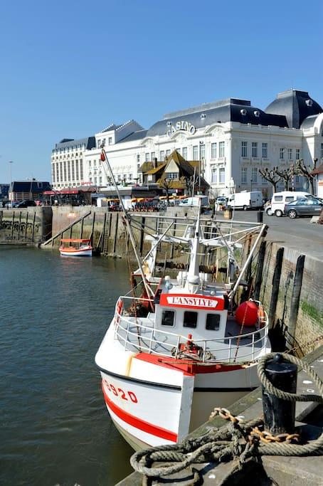 Charmant 3 pieces au bord de la mer apartments for rent - Office de tourisme trouville sur mer ...