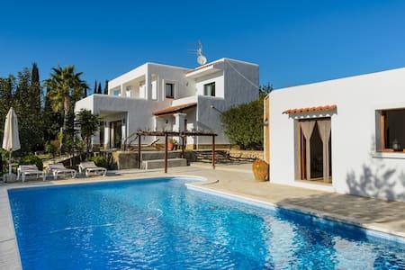 Cozy Villa 19 mins from Ibiza - Ibiza - Haus