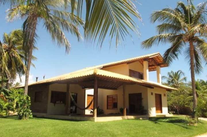 Casa na Praia de Guajiru a aprox. 200m do mar