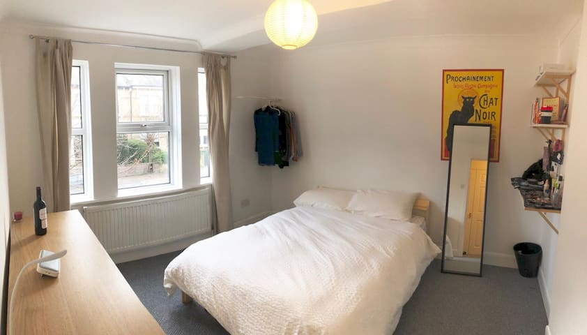 Large Double Bedroom in Stoke Newington