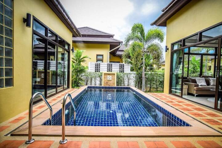 Pool Villa 3br. Bang Sa Ray, Pattaya. วิลลา บางเสร่