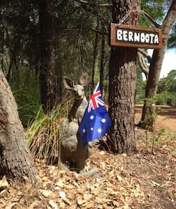 "BERNOOTA HOMESTEAD ""Weekend Special Available - Burnside  - Bed & Breakfast"