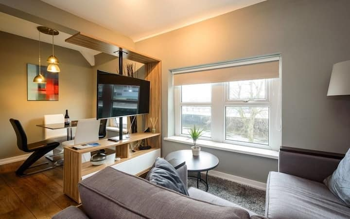 Self Check-In, Two Bedroom Apartment