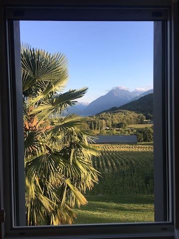 Chambre privée avec vue sur les Pyrénées