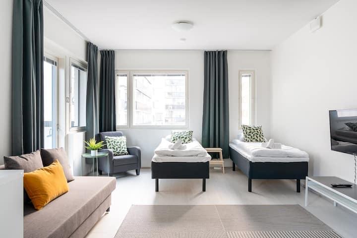Yhden makuuhuoneen huoneisto, parveke ja parkki
