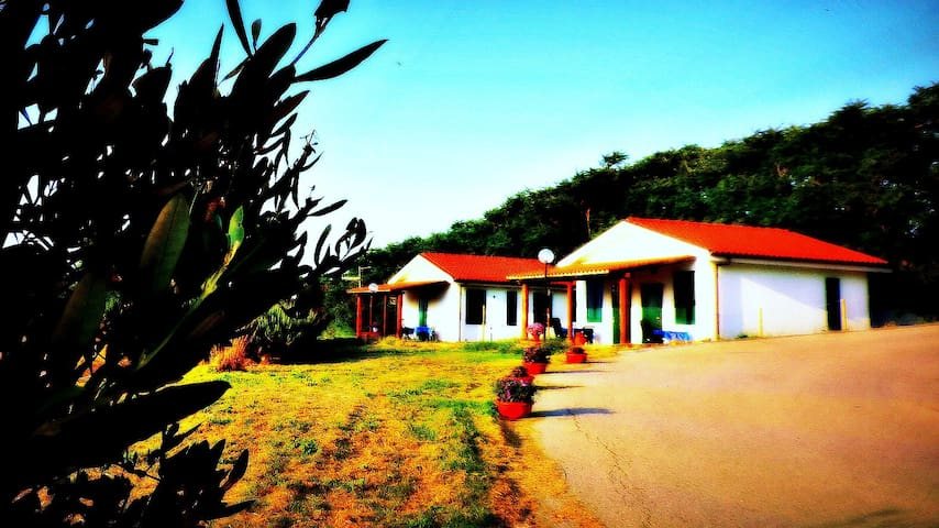 Agriturismo Sila - Our Detached Beach Bungalow