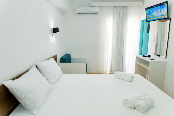 Central Petit Room 15sqm, Free Breakfast Comfy Bed - Kissamos - Appartement