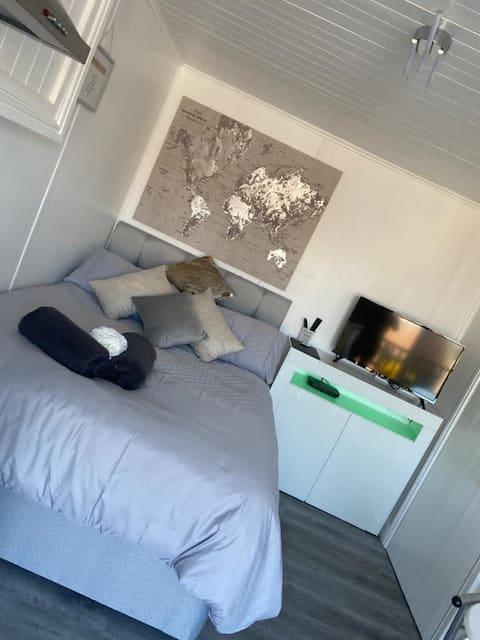 Amazing one bedroom studio with great views