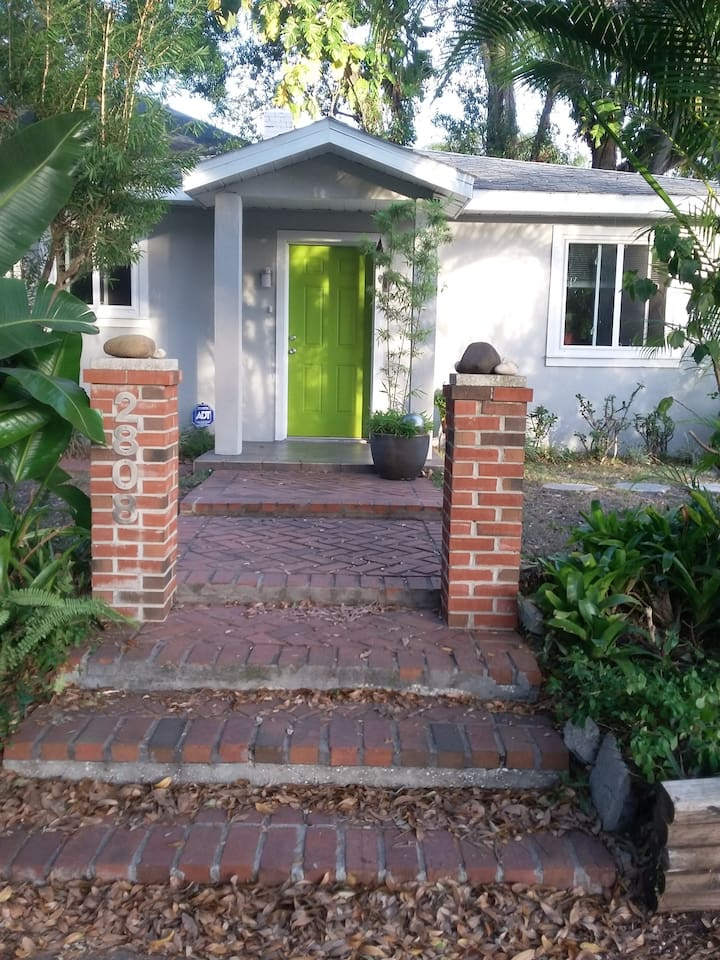 Pet friendly, tiled entire house in desirable South Tampa, family friendly neighborhood.