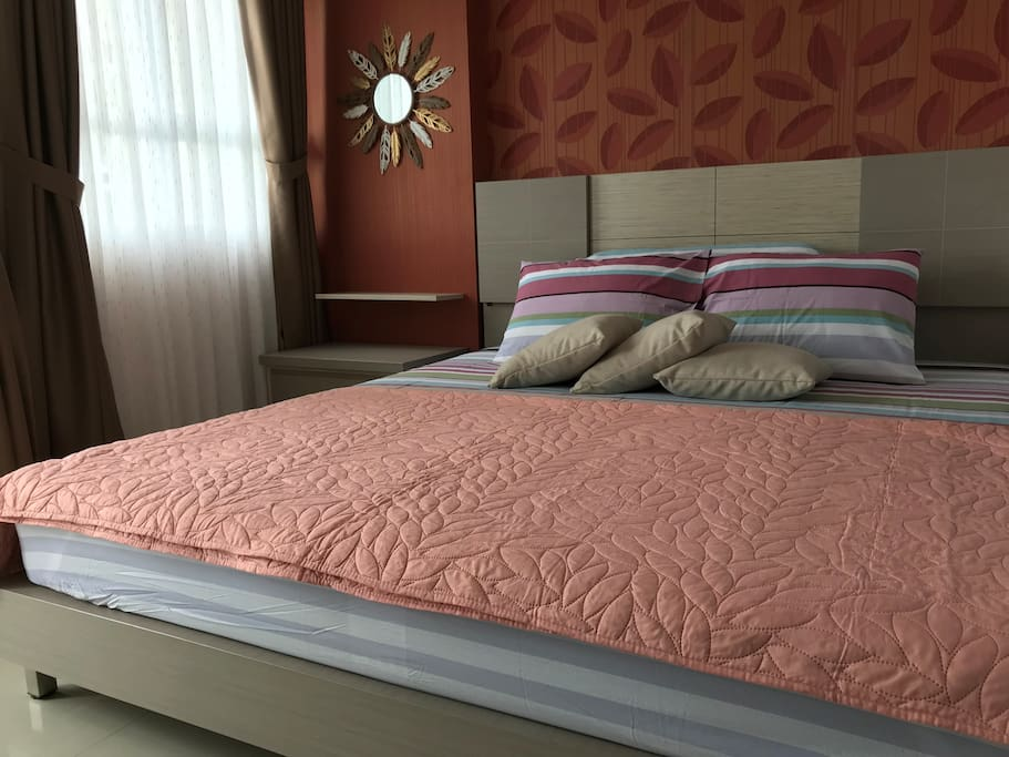 180 x 200 cm bed size, with clean, tidy, fresh and comportable bedroom for your healthy sleep