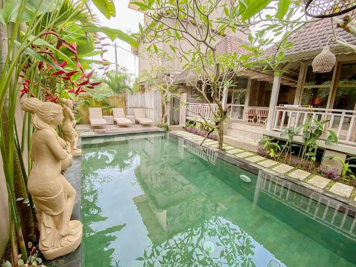 2 BR Romantic Private Wooden Villa With Pool