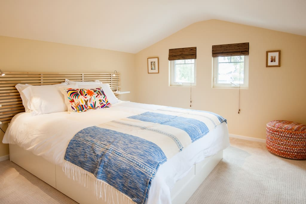 Very Comfortable Queen bed with 1800 thread count sheets. You won't want to get our to bed in the morning, I promise!
