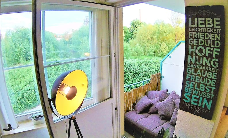 Mini Loft, Balkonbett, Wasserblick in City Lage